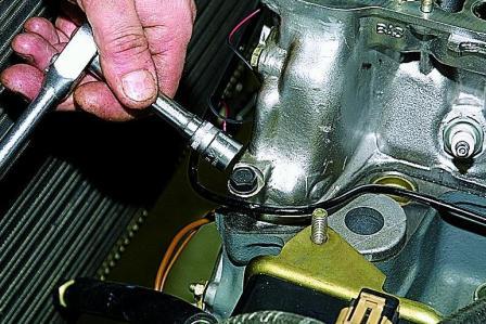 Ремонт головки блока цилиндров в двигателе автомобиля