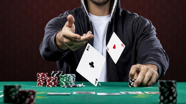 Как успешно играть в онлайн покер
