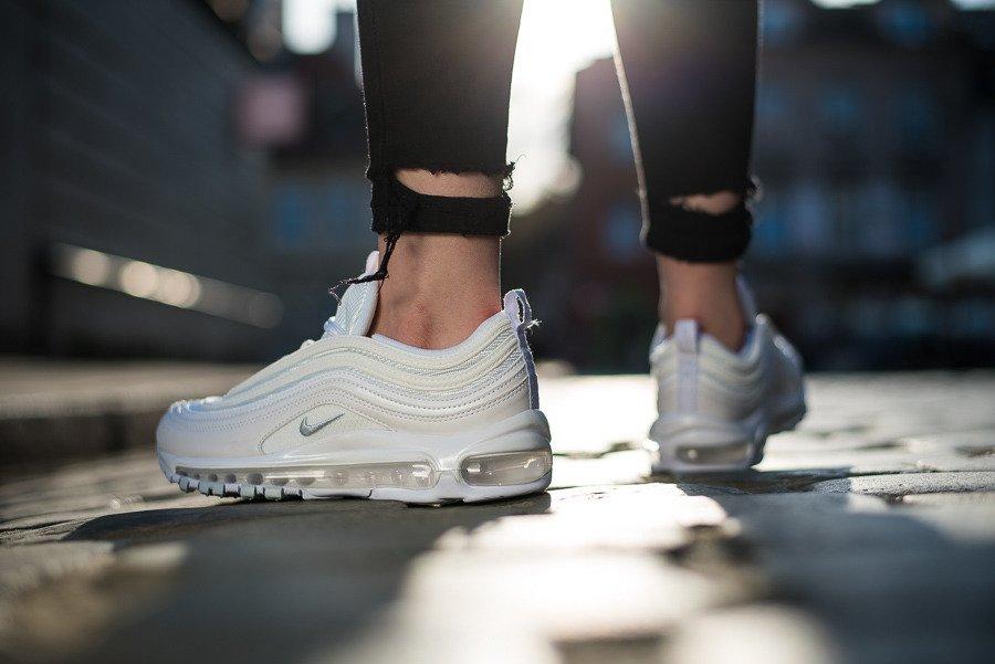 Женские кроссовки для спорта и отдыха