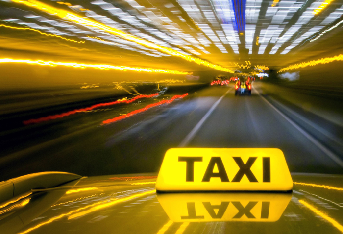 «Аист Такси Киев» - Самое дешевое такси в Киеве